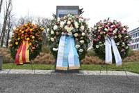 9/2021: Nachruf der Stiftung Bayerische Gedenkstätten zum Tod von Mordechai Ansbacher (1927-2021)