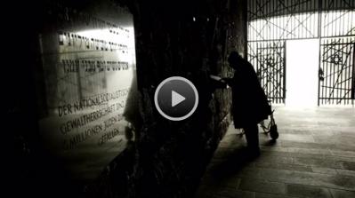 Max Mannheimer und Sr. Elija Boßler in einer ehemaligen Baracke des KZ Dachau über Respekt