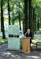 Neu gestalteter Ehrenhain mit feierlichem Gedenkakt eingeweiht