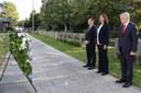 Zum 20. Jahrestag von 9/11: Stiftung gedenkt der Opfer - Feierliche Kranzniederlegung beim US-Generalkonsulat in München